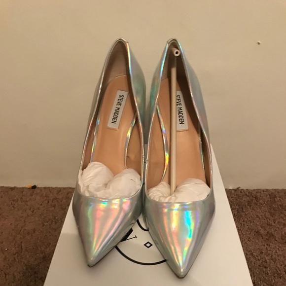 f083ca90ce6 Steve Madden Daisie Iridescent heels. M 5c7abcf65c4452c823ecb1bc